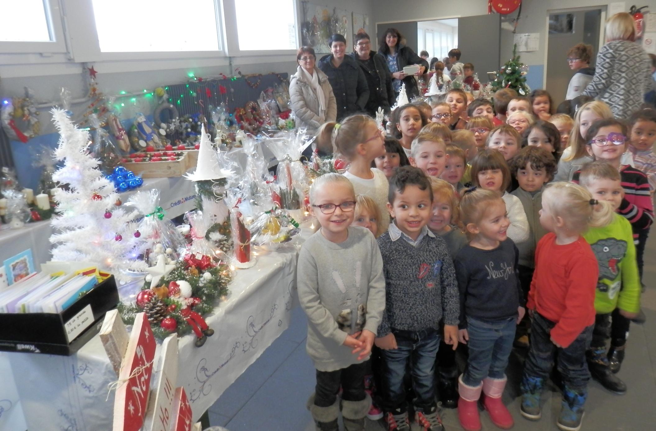 2017-12-marche-de-noel-de-lecole-maternelle-de-teting-sur-nied